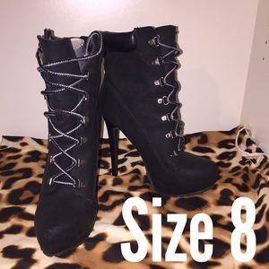 Size 8 Black Timberland Like Booties